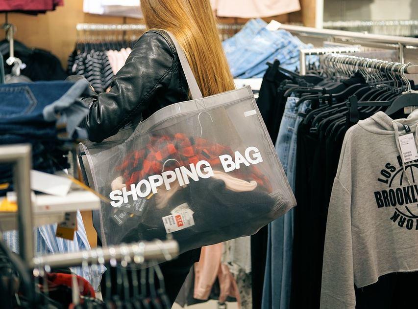 Shopping 30 Frasi Sul Giro Nei Negozi Frasi Social