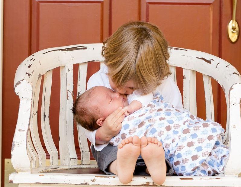 Fratellanza E Fraternità 30 Frasi Per Amare Il Prossimo Frasi Social