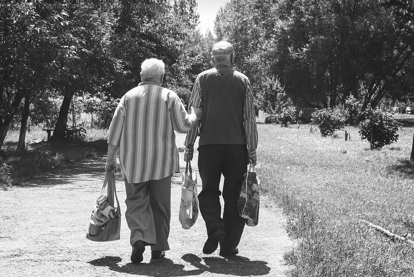Nonni 32 Frasi Famose Sui Bastoni Dei Nipoti Frasi Social